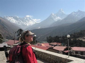 Tengboche har en panoramautsikt över Himalaya bergen, bland annat de välkända topparna Tawache, Everest, Nuptse, Lhotse, Ama Dablam och Thamserku.