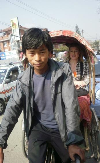 På tur med richkshaw i Thamel.