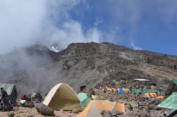 Kili Dag 5 Bland molnen i Barafu Hut