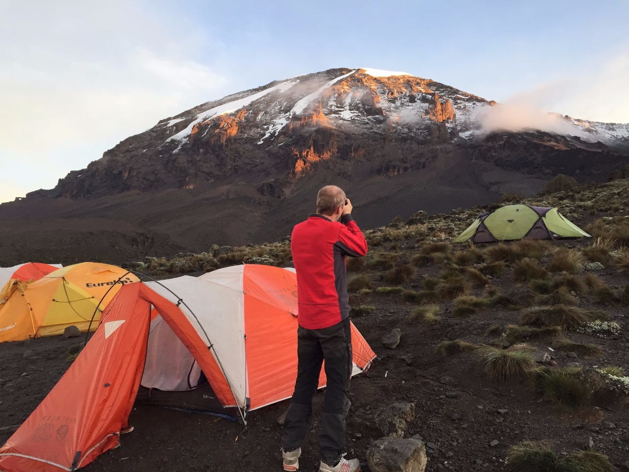 Kili Dag 5 Morgonens stolstrålar på Kilimanjaro