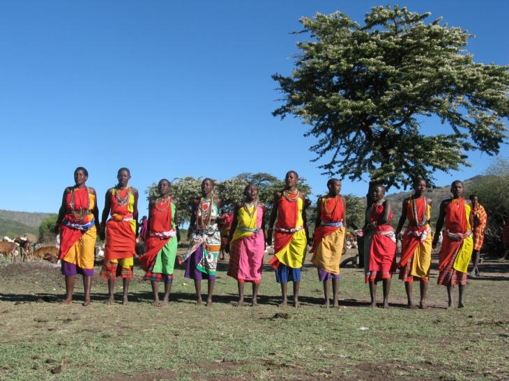 Masaikvinnors dansuppvisning