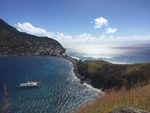 Atlanten till höger, Karibiska havet till vänster i Soufrière