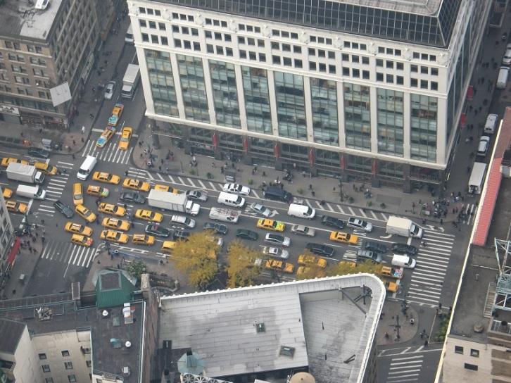 Många taxibilar.