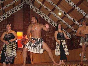 Maorier dansar.