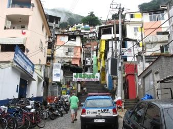 Nedanför Santa Maria favela.