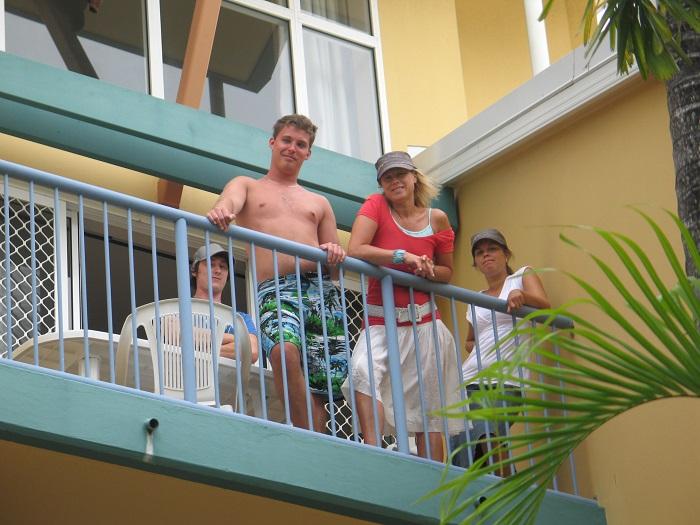 På en av våra tre balkonger.
