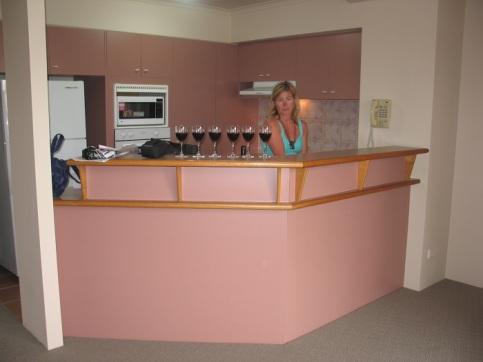 I baren serveras vin.