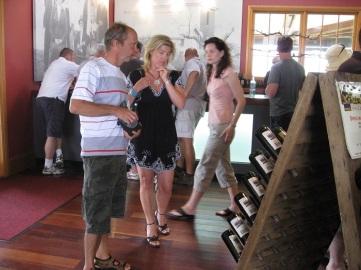 Köpa vin på Iron Gate?