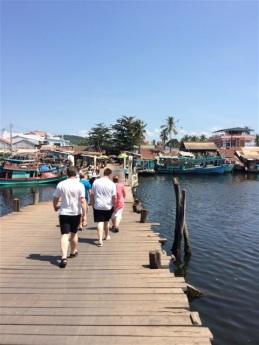 Flytande bron till Town market. Bron flyttas till förmån för båttrafiken.