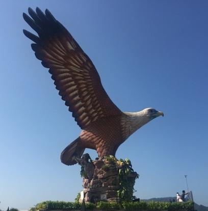 Den enorma örnen på Eagle Square.