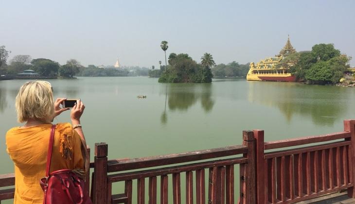 Yangon Karaweik, Kan Daw Gyi Lake