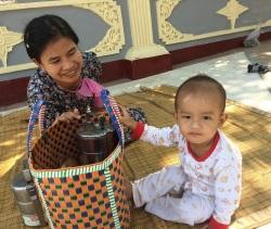 Yangon Shwedagon Mor och son