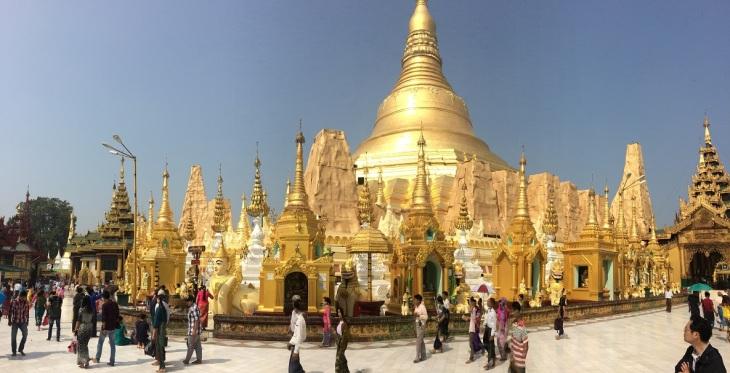 Yangon Shwedagon Pagoda panorama