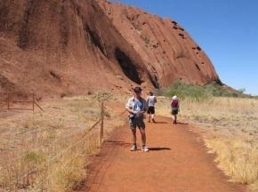 Promenad runt Uluru