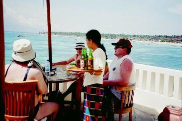 Öl på hotellet högt uppe i Lembongan