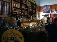 Baren La Bodeguita besöktes båda kvällarna.