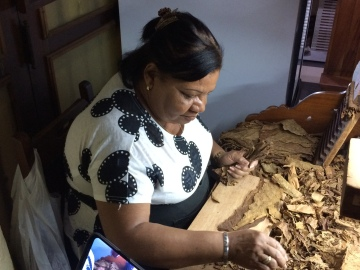 Cigarrtillverkning.
